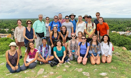 Group photo of 2016 UF in Mérida and Universidad Autónoma de Yucatán students.